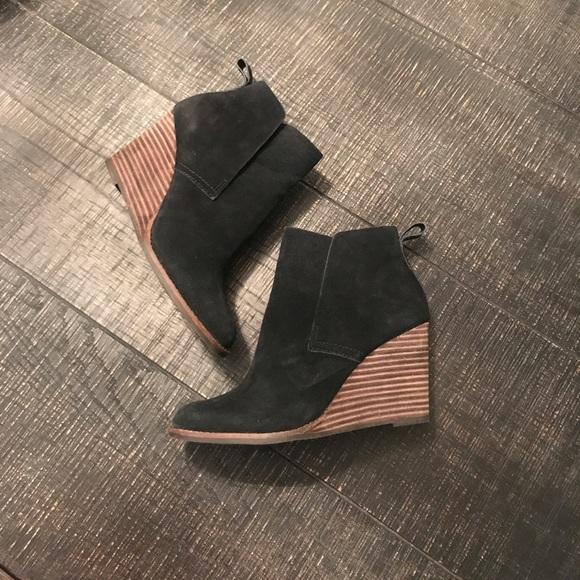 a2e5a9aa7cc4 Lucky Brand Shoes - Lucky Brand Yoniana wedge bootie